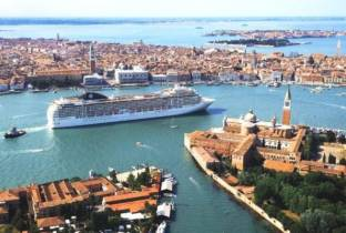 Salvate Venezia dalle grandi nave: l'ultimatum dell'Unesco