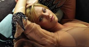 Charlize Theron di nuovo in splendida forma