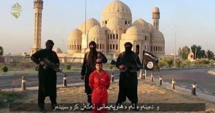 Orrore infinito: milizie dell'Isis decapitano un curdo in Iraq